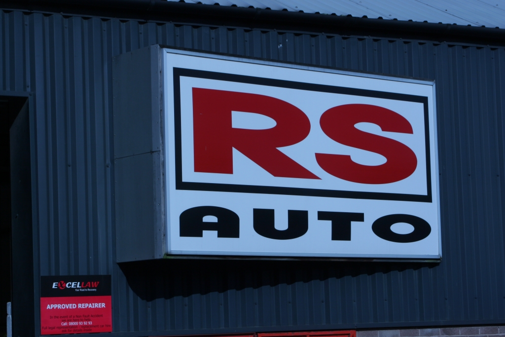 R S Auto Accident Repair Centre for all your bodyshop needs